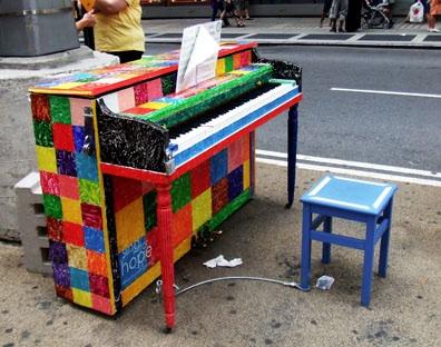 Street-piano-20100628-133328